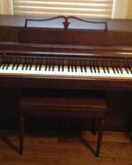 Wurlitzer Spinet Upright Piano